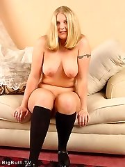 Curvy blond cutie is bare and ready