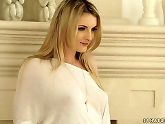 Desirable blonde bombshell Jemma Valentine gets drilled well