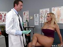 Busty blondie Shyla Stylez makes her gynecologist slurp her pussy