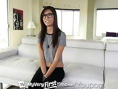 MyVeryFirstTime - la Peur et de plaisir pour Kimberly Costa premier anal