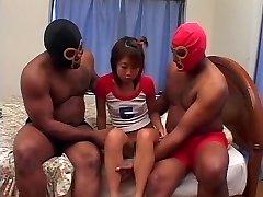 Análny creampie a BBC DP pre Japonské dievča