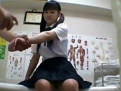 Japonskej školáčky (osemnásť+) vŕtané počas lekárskej prehliadke