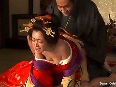 Yumi Adachi - Kurtisaan Koos Lilleline Nahk