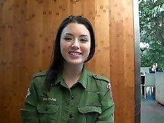 ATKGirlfriends video: Virtual Date ar korejas un krievijas skaistumkopšanas Daisy Vasaras