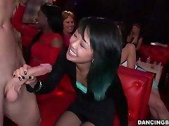 adolescente Asiático Mulher deepthroats Stripper