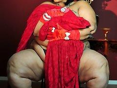 Xxx Plus-size Milf Farrah Foxx as XXX retro model