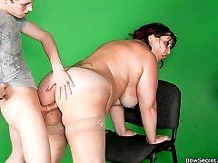 Cameraman cheats on his wife nailing a slutty BBW model in his studio