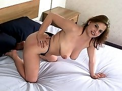 Plump girl with fat ass and saggy tits spreads