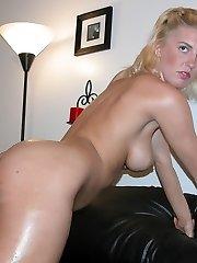 Platinum-blonde Amateur Babe Nude In The Bathroom - Rachael Model