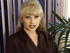 T-Female Dominatrix-Bitch Brandy Scott