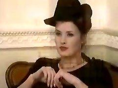 Kellie priestley wants to watch alison amberley undressing