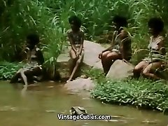 Polonahá Africké Dievča Robí Tribal Tanec (1970 Ročník)