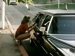 Female hitchhiker gets limo ride