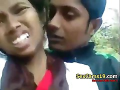 spicygirlcam - Desi Indian Girl Blowjob Her BF Outdoor