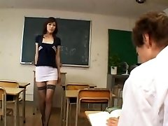 Horny japanese lecturer - uncensored