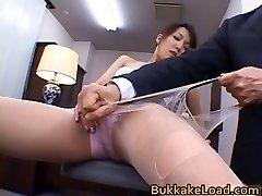 Sexy echten asiatischen Shiho bekommen Sperma