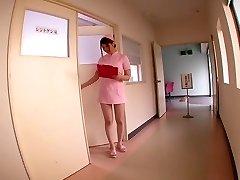 Momoka Nishina in Mein Pet Ist ein Krankenschwester-Teil 2.2