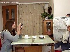Mlada djevojka upoznaje starca