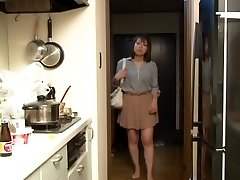 Yui Hatano as Manager Wife Night Crawling