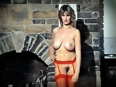 ADDICTED TO LOVE - vintage 80's xxl tits striptease dance