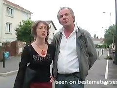 Κερατάς σύζυγος gangbanged