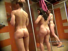 Look for women in the shower 0325