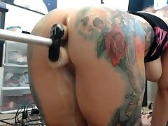 Booty girl & double dildo boinking machine