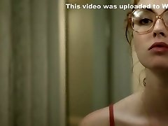 Freya Mavor - The Woman in the Van with Glasses and a Gun (2015)