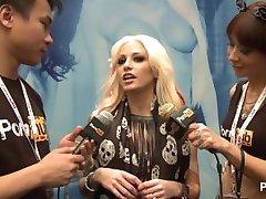 PornhubTV Rikki Kuus Intervjuu 2014 AVN Awards