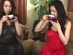 Yuki Tsukamoto, Yumi Kazama Erótico