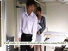 Akiho Yoshizawa smart Asian chick gets pussy licked