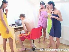 4 fete și un băiat