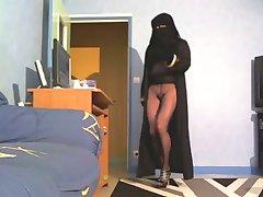 no panties  in niqab