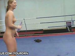 Catfight: Lisa Sparkle vs. Linda Ray