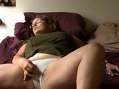 BBW girl with glasses masturbates