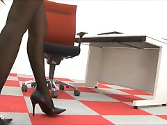 Beautiful Asian Office Lady Feet and Legs in Pantyhose Nylons