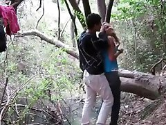 pillados en el bosque