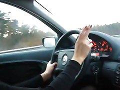 hot milf røyking i bil