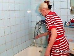 Leuk in de badkamer - alle rassen van vuistneuken