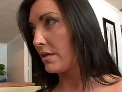 Bigtitted nevelőanyám pussylicking tabu tinédzser