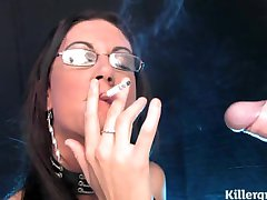 Emma Hintern Rauchen blow job