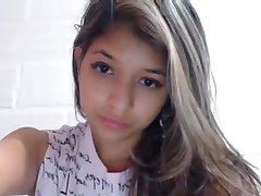 Novinha na webcam