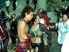 jacking in my pants hunting tits at the comic con 3