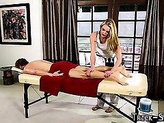 Daj się nabrać masażystka wytrysk na mokro