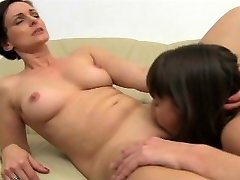 FemaleAgent - MILF agentai neįtikėtinai orgazmą