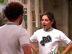 Mila Kunis, Die 70er-Jahre-Show Cheerleader-Zusammenstellung