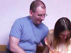 Kobiety w ciąży i jeszcze kogut głodny