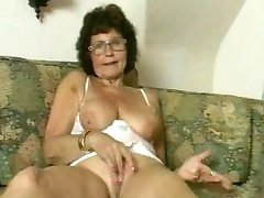 Babcia w okularach Dildoes