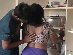 Pune opiekun - www.puneescortsagency.co.in -gorące romantyczne Бхабхи ze swoim chłopakiem