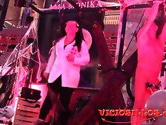 Ama Monika BDSM fetish domination show en el SEB